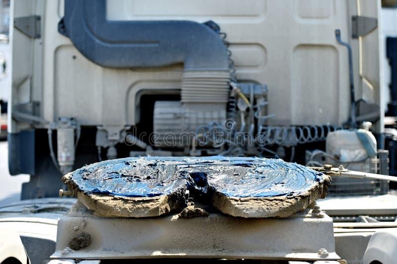 Acoplamento do caminhão da quinta roda lubrificado imagens de stock royalty free