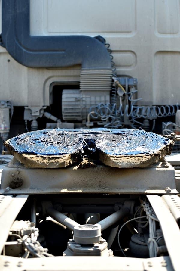 Acoplamento do caminhão da quinta roda lubrificado fotos de stock royalty free