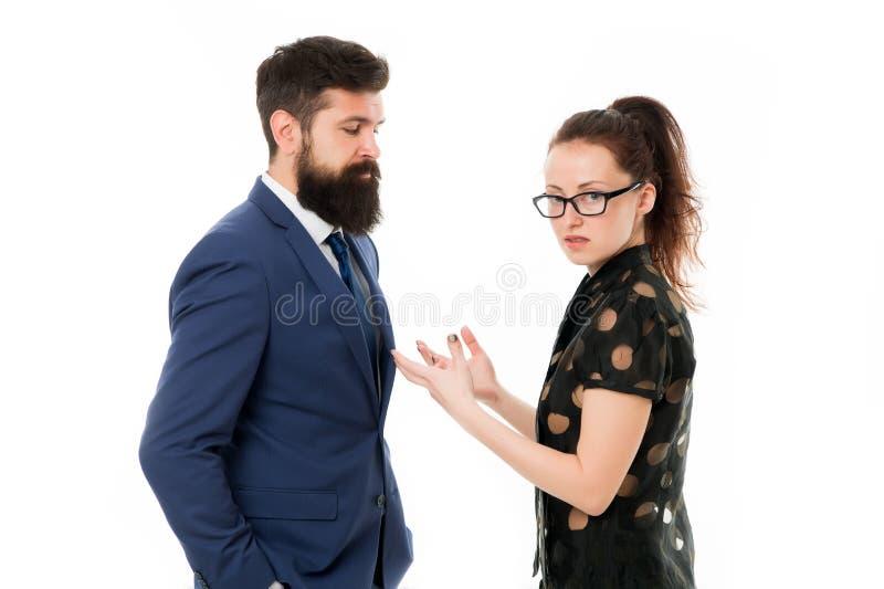 Acople o conflito e a disputa Engano no trabalho discussão entre o homem de negócios e a mulher Conflito do negócio fotos de stock royalty free