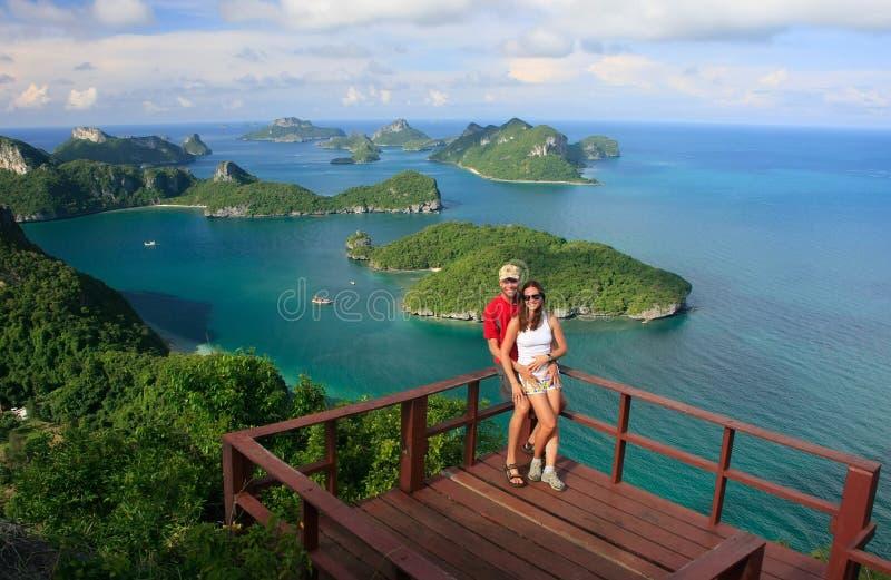 Acople a posição no ponto de vista, Ang Thong National Marine Park, T fotografia de stock royalty free