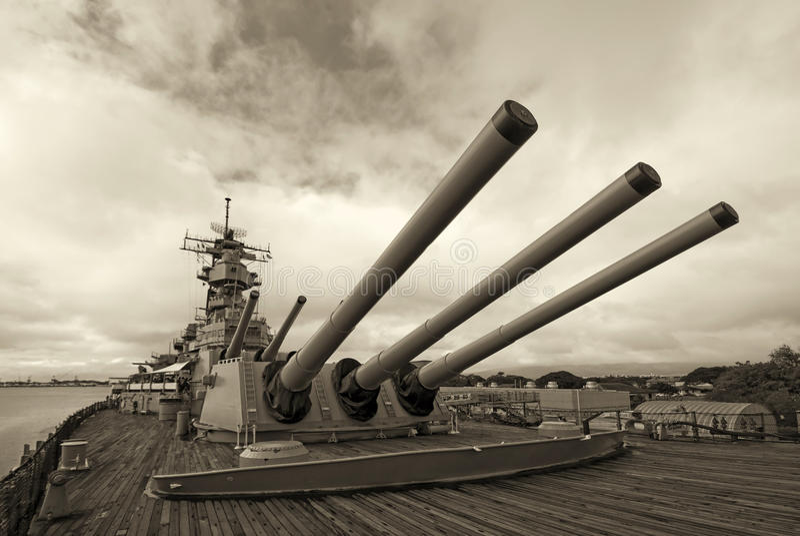 Acorazado de USS Missouri en el Pearl Harbor en Hawaii imagen de archivo
