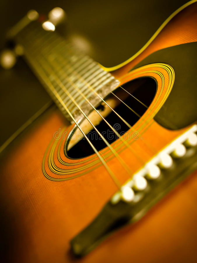 Free Acoustic Guitar Royalty Free Stock Photo - 32721065