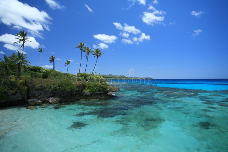 Acqua blu e cielo immagini stock