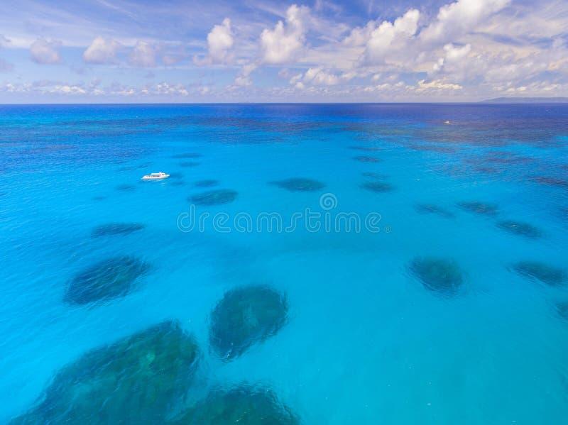 Acqua cristallina in Okinawa Giappone fotografie stock libere da diritti