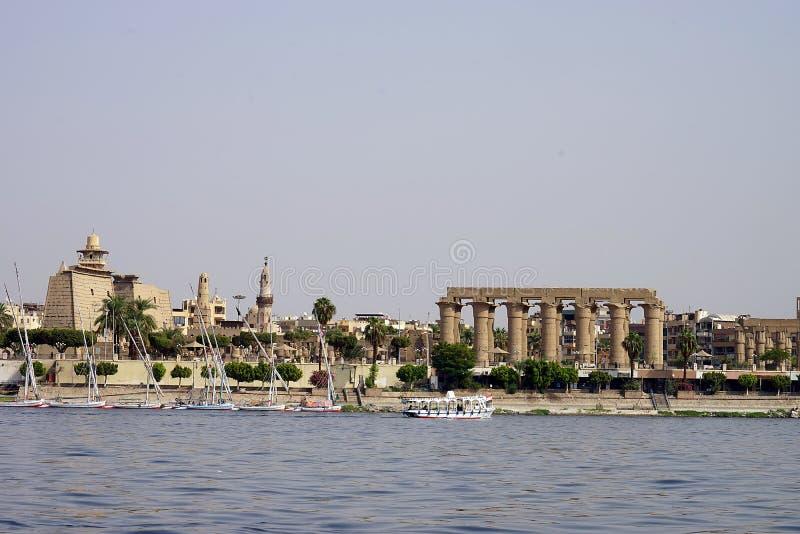 Acqua di archeologia di faraone di rovina del tempio di Luxor Egitto immagini stock libere da diritti
