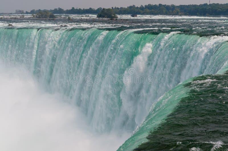 Acqua di caduta del cascate del Niagara fotografia stock