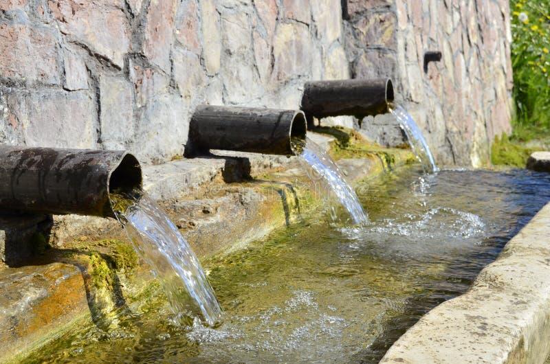 Acqua di fonte naturale fotografia stock