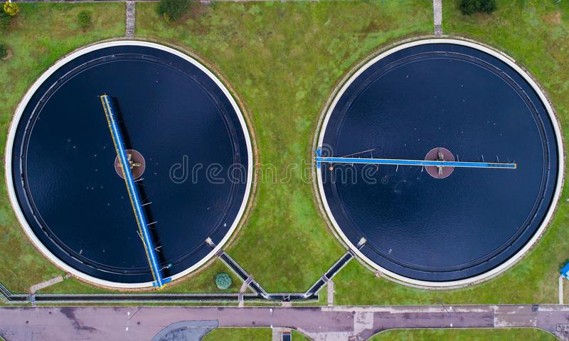 Acqua sporca in impianto di depurazione fotografie stock