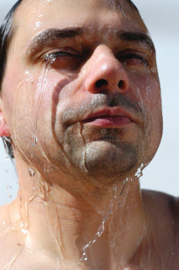 Download Acquazzone immagine stock. Immagine di maschio, pours, sopra - 218921