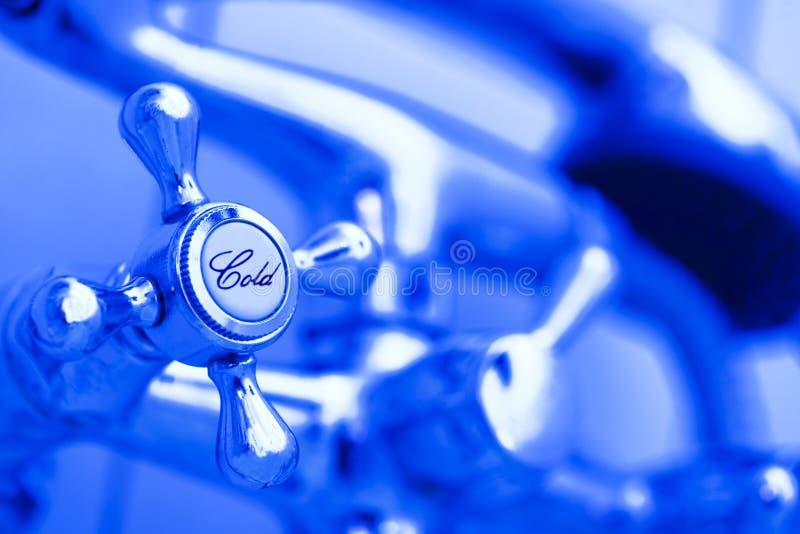 acque di rubinetto fredde fotografia stock