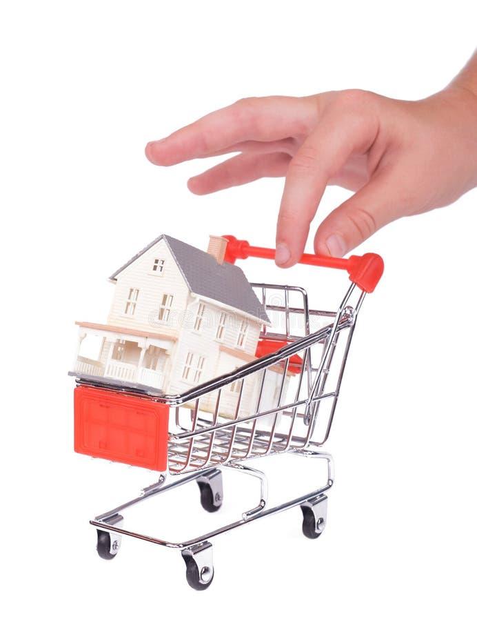 Acquistando per una casa immagini stock