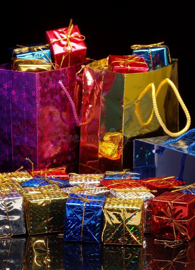 Acquisto del regalo di natale immagini stock