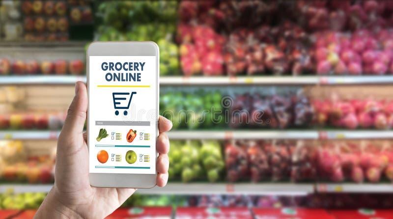 acquisto di drogheria al hea della verdura della drogheria del centro commerciale del upermarket fotografia stock libera da diritti
