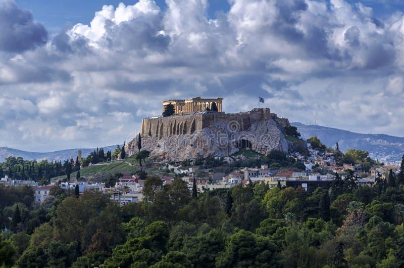 A acrópole da cidade de Atenas em Grécia com o templo do Partenon fotografia de stock royalty free