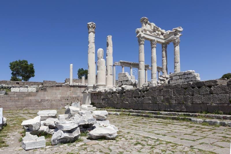 Acrópole de Pergamon Turquia As ruínas do templo de Trajan imagem de stock royalty free