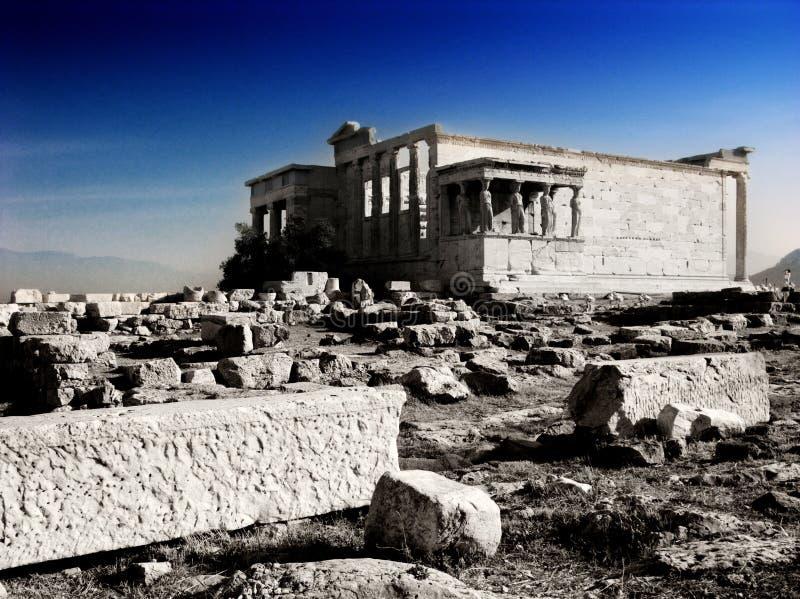 Acrópole do templo de Erechtheion em Atenas com Caryatides, Grécia imagens de stock