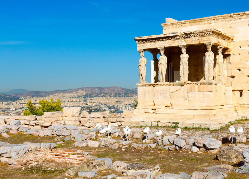 Acrópole, templo de Erechtheum em Atenas, Grécia imagem de stock