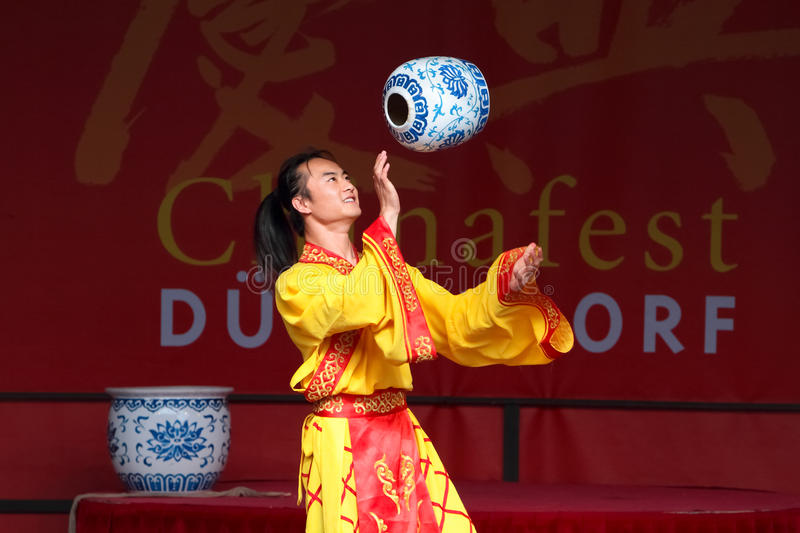 Download Acrobat Of The Chinese State Circus. Editorial Photography - Image: 21191007