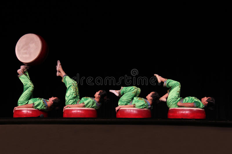 Acrobates chinois images stock