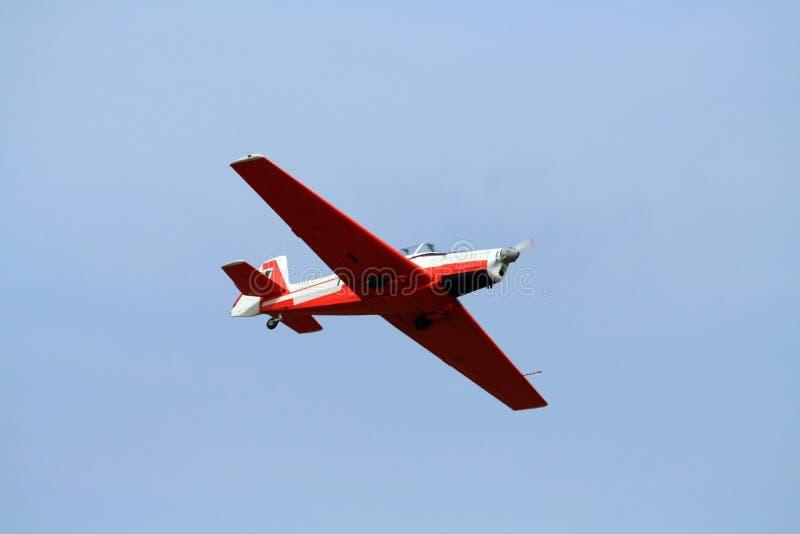 Acrobatics aerei con airplan fotografia stock libera da diritti