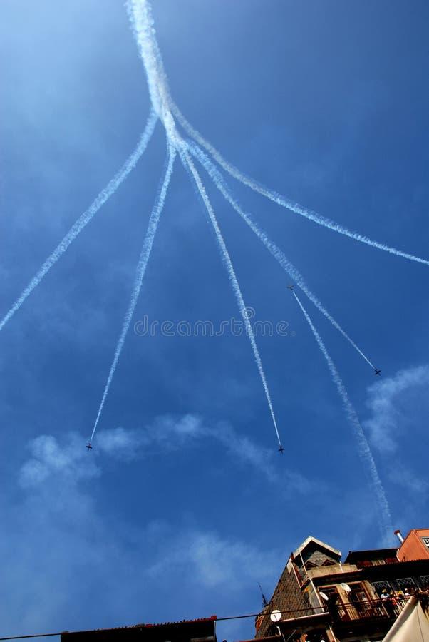Acrobaties de chemin d'air de Porto photo libre de droits