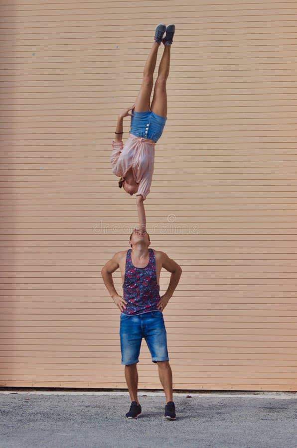Acrobatische stunt stock foto