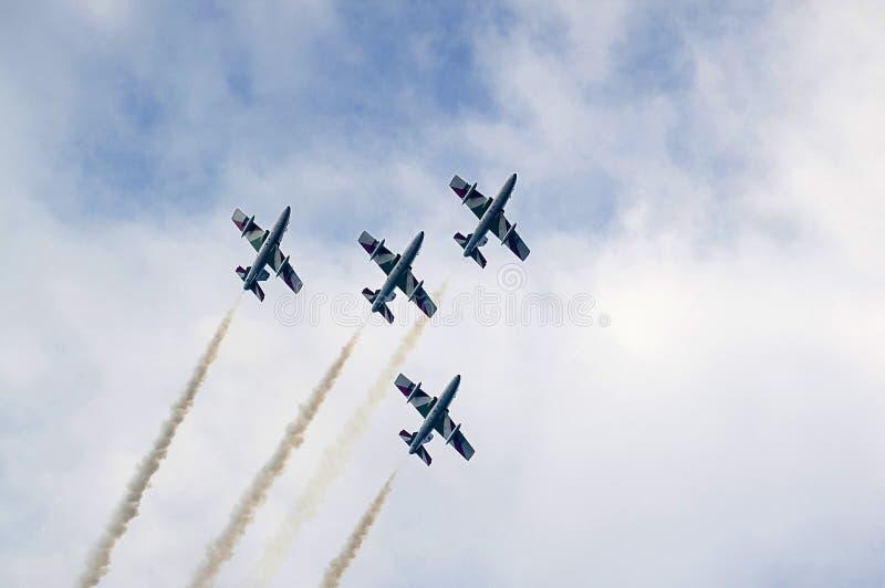 Acrobatische team frecce tricolori stock afbeeldingen