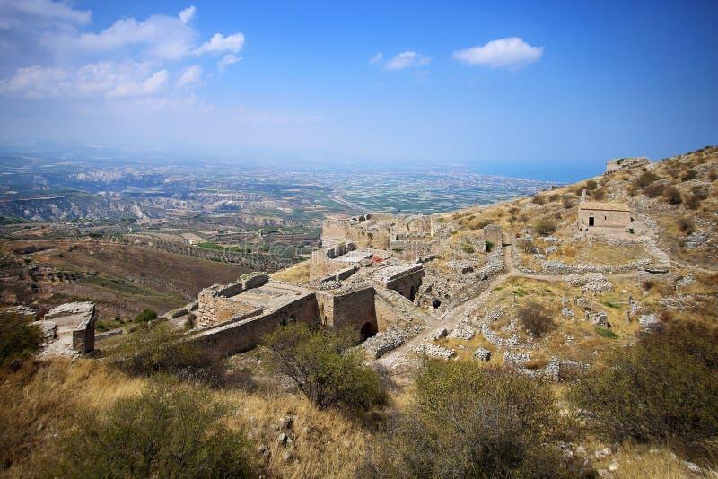 Acrocorinth akropolen av forntida Corinth arkivbilder