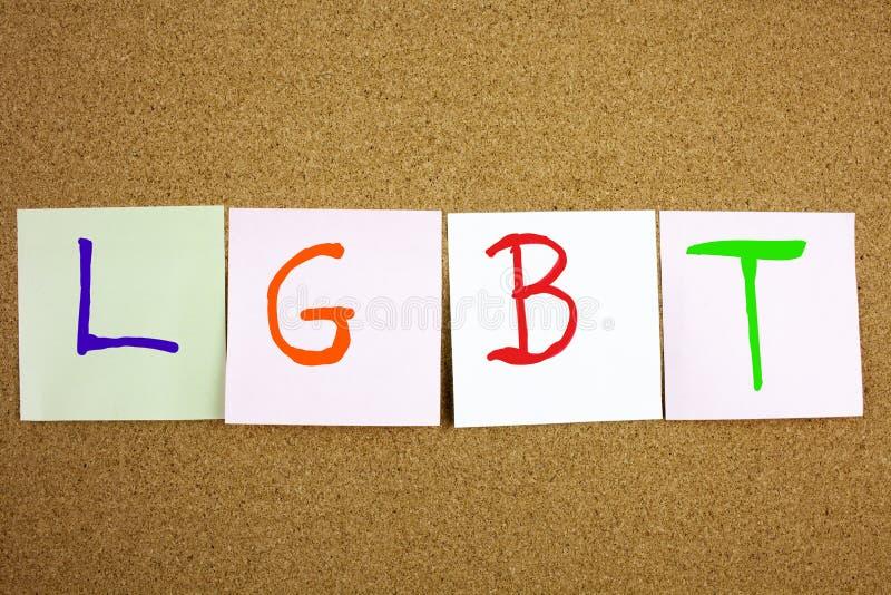 Acronimo appiccicoso giallo di scrittura, di titolo, dell'iscrizione LGTB della lesbica, del gay, del bisessuale e del transessua fotografie stock