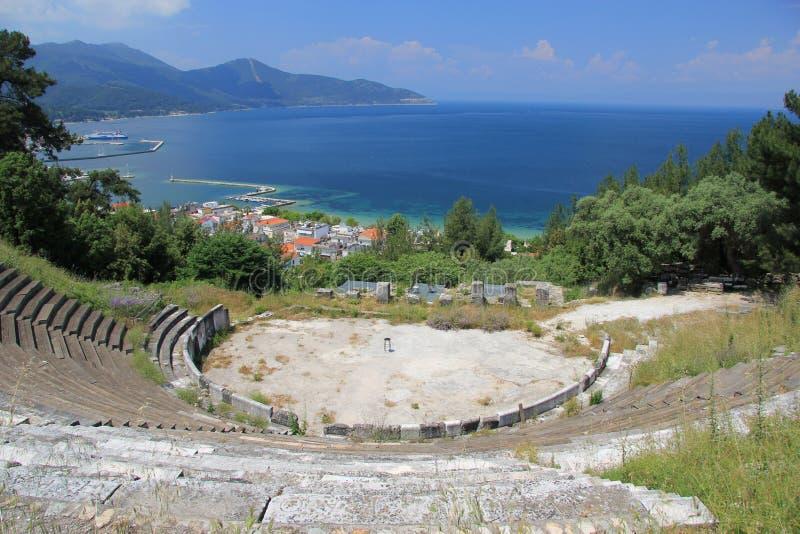 Acropoli antica del teatro sull'isola di Thassos immagini stock