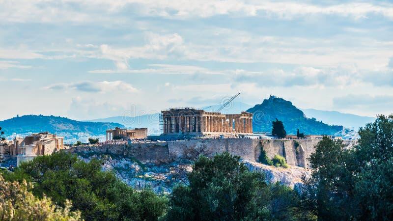 Acropoli con il Partenone e l'ingresso di Propylaea immagine stock