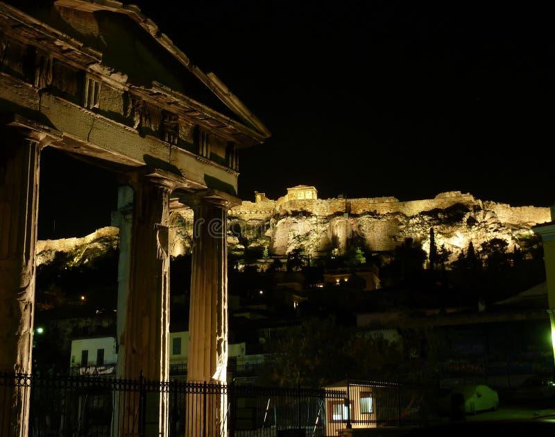 acropolis exponerad natt arkivfoto