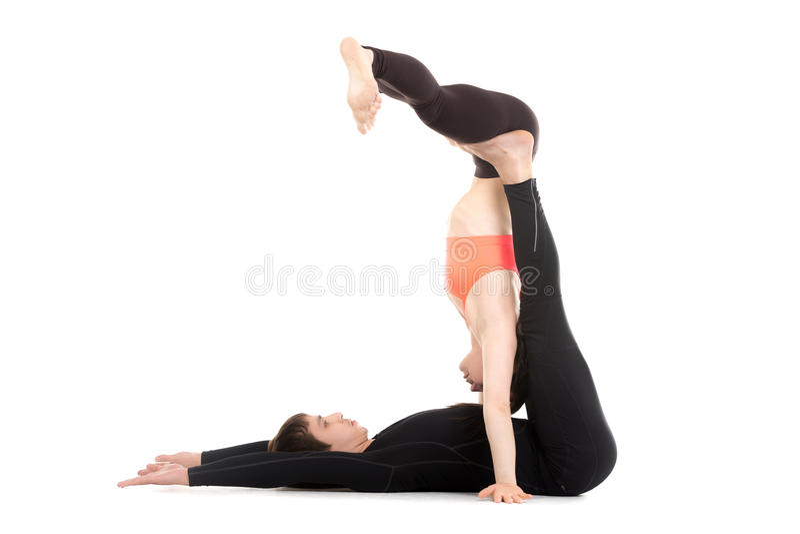 Acroyoga, handstand stock afbeelding