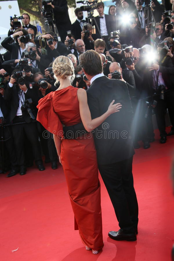Acteur Josh Brolin et sa fiancée Kathryn Boyd photographie stock libre de droits