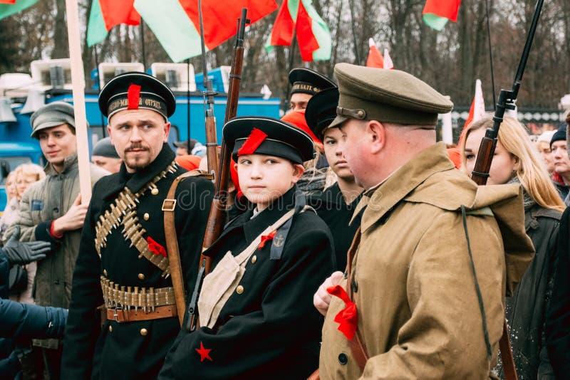 Acteurs déguisés comme révolutionnaires en Russie Gomel, Belarus images stock