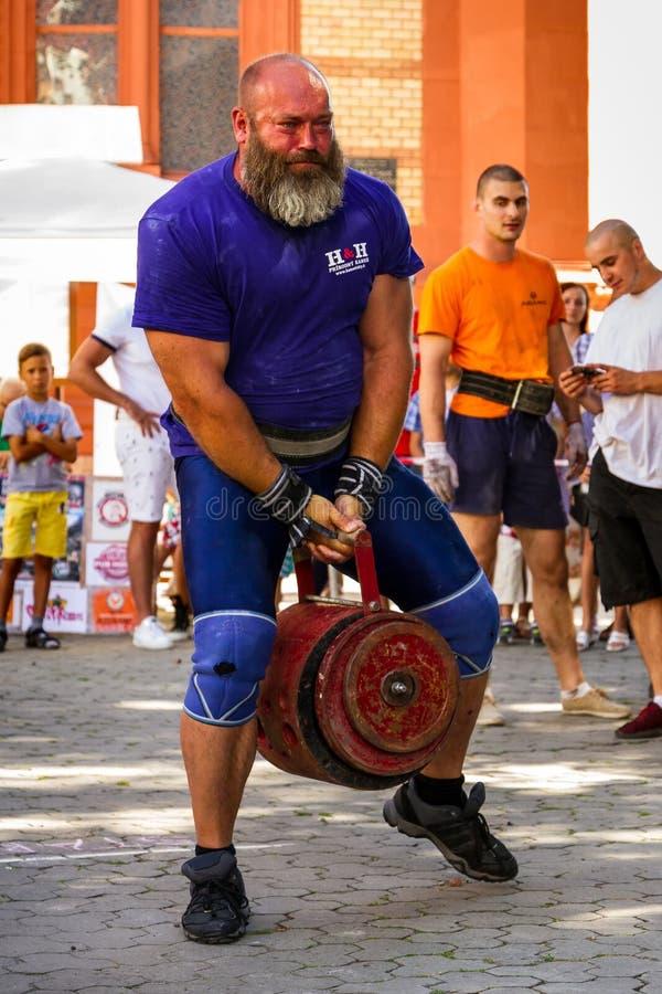 Actionnez le ` 2016 carpathien d'ours de ` de tournoi dans Uzhgorod images stock
