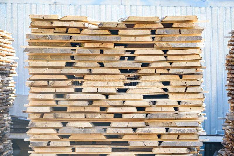 Actions d'usine et panneau en bois de bois de charpente avec l'exportation d'affaires de nature image stock
