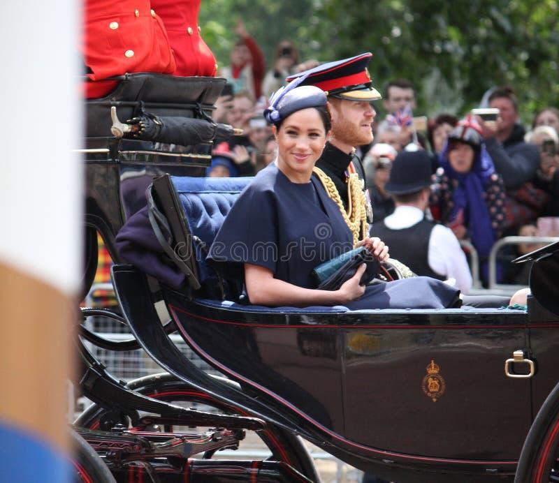 Actions de Meghan Markle et de prince Harry, Londres R-U, le 8 juin 2019 - Meghan Markle Prince Harry Trooping la famille royale  images libres de droits