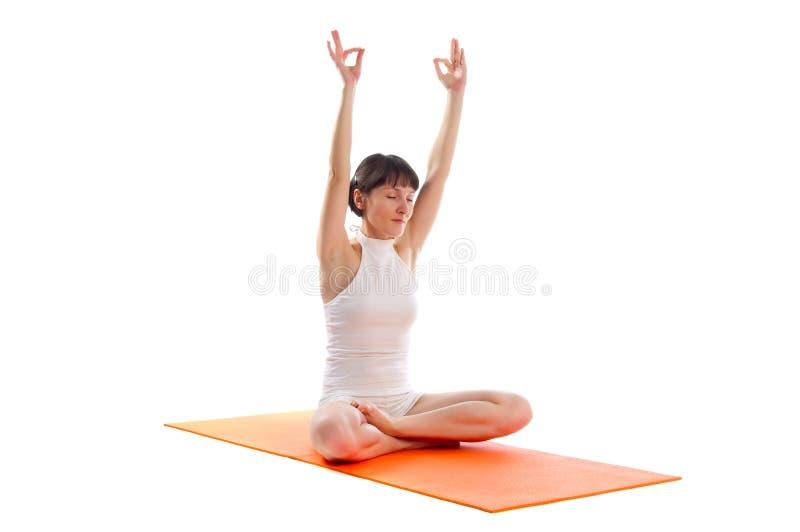 Actitud fácil de la yoga fotografía de archivo