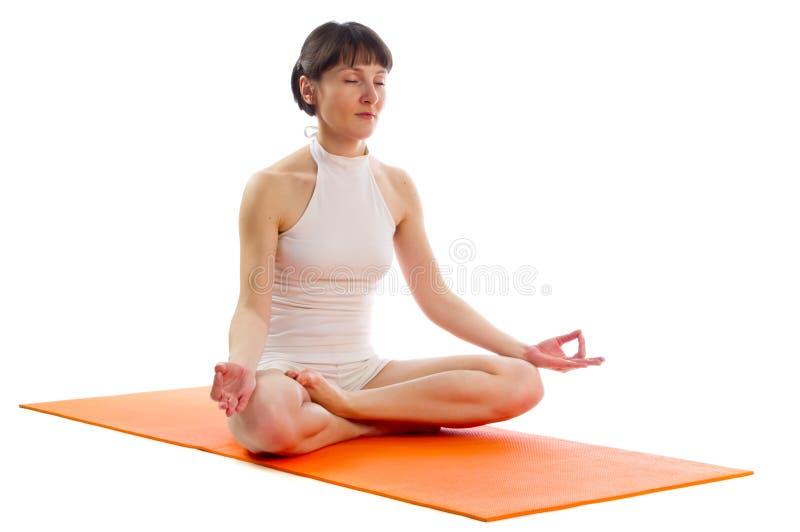 Actitud fácil de la yoga imágenes de archivo libres de regalías