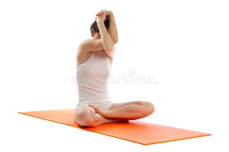 Actitud fácil de la yoga imagen de archivo