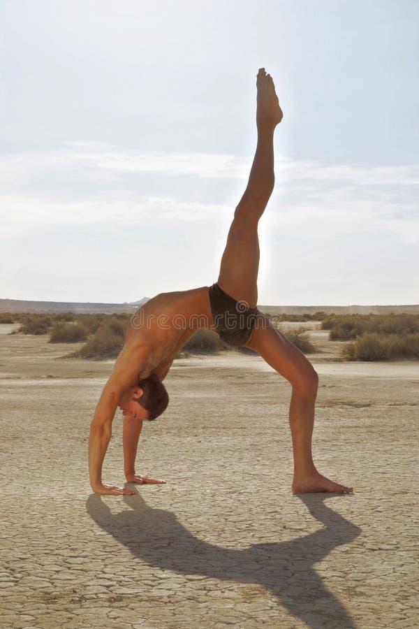 Actitud Masculina De La Yoga Fotos de archivo