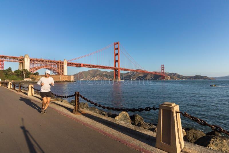 Activando en Marine Dr, puente Golden Gate imagen de archivo