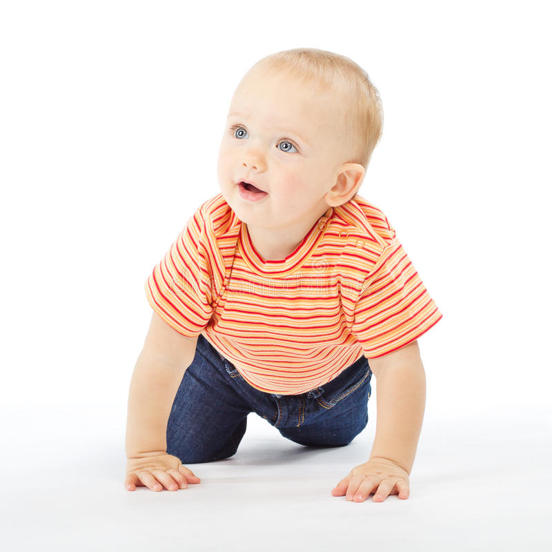 active behandla som ett barn bakgrund som carwling över white arkivfoton