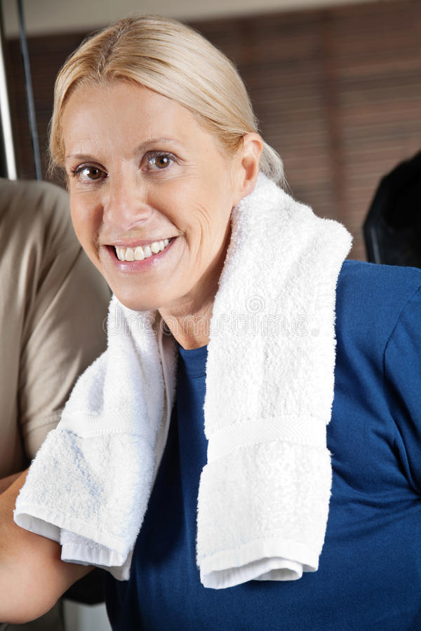 Active Senior Woman In Gym Royalty Free Stock Photos