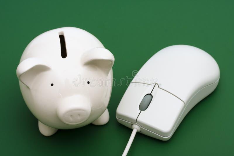 Actividades bancarias en línea foto de archivo libre de regalías