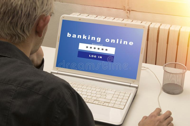 Actividades bancarias en línea fotos de archivo