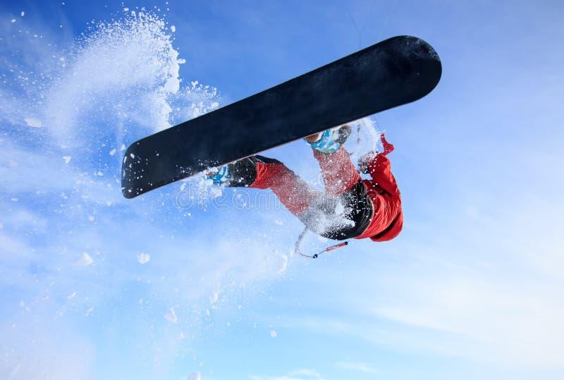 Activités de week-end - snowkiting ! Extrémité et amusement ! Un voyage au nord russe au cerf-volant dans la toundra blanche d'ex images stock