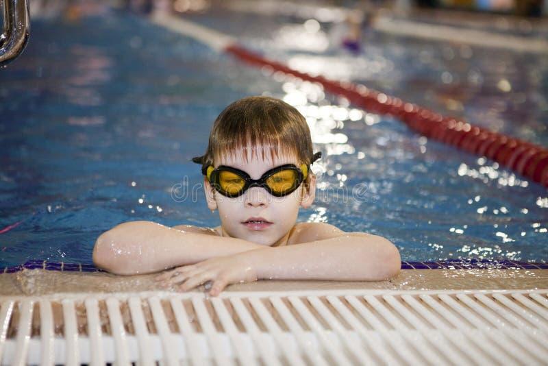 Activités sur la piscine photo stock