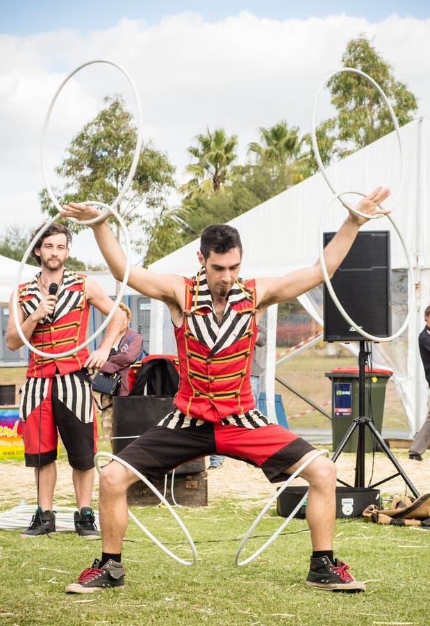 Acto de circo en la demostración de Melbourne Pascua fotografía de archivo libre de regalías